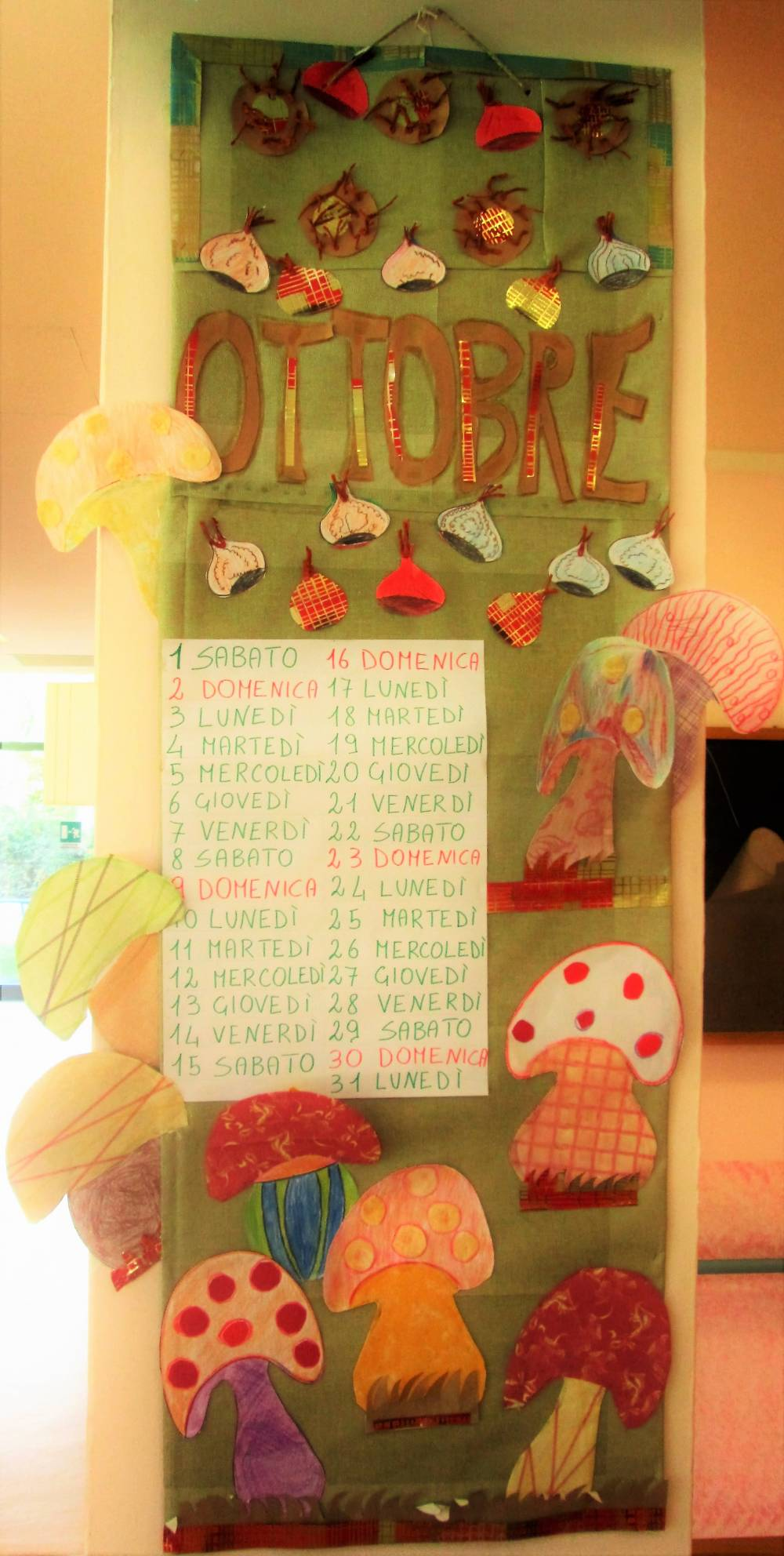 Calendario Funghi.Ottobre Funghi E Castagne E Calendario